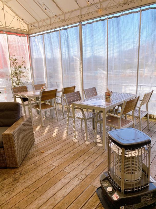 コテカフェオープンテラスの屋外カーテン
